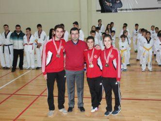 Başkan Gönenç'ten Başarılı Sporculara Ödül